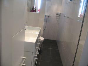Kosten Sanitair Badkamer : Casadata badkamer renoveren met douche wastafel toilet en
